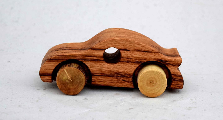 fabriquer une voiture en bois jouet. Black Bedroom Furniture Sets. Home Design Ideas